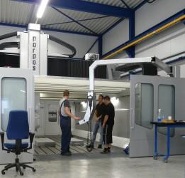 TMMT High Tech uit Eindhoven heeft midden 2008 een Omnia - 63 bewerkingscentrum van het Italiaanse fabrikaat Parpas in gebruik genomen
