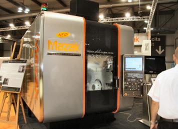 Mazak Hyper Variaxis 630 op de EMO Milano 2009