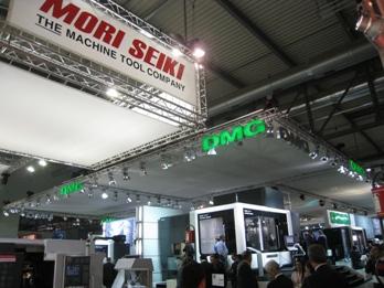 De stand van Mori Seiki en DMG tijdens de EMO Milano 2009
