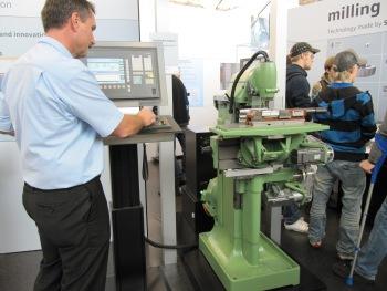 Door Siemens gereviseerde Deckel freesbank tijdens AMB 2010