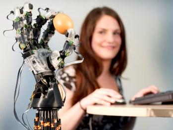 Robothand uni Saarland
