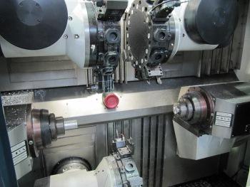 Een kijkje in de geavanceerde T 42 Triplex van Spinner tijdens de AMB 2010 (foto's: Reinold Tomberg)