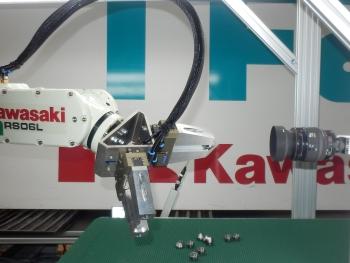 RFA-Kawasaki Robotloader met RFA-Vision voor kwaliteitscontrole