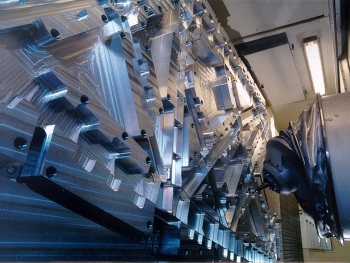 350 x 263 2012-08 PI_DST_Scharmann_Yulkok_Bild 1