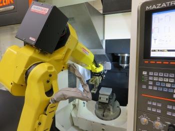 Automatisering RoboJob tijdens Open Huis 2013 bij Yamazaki Mazak in Leuven