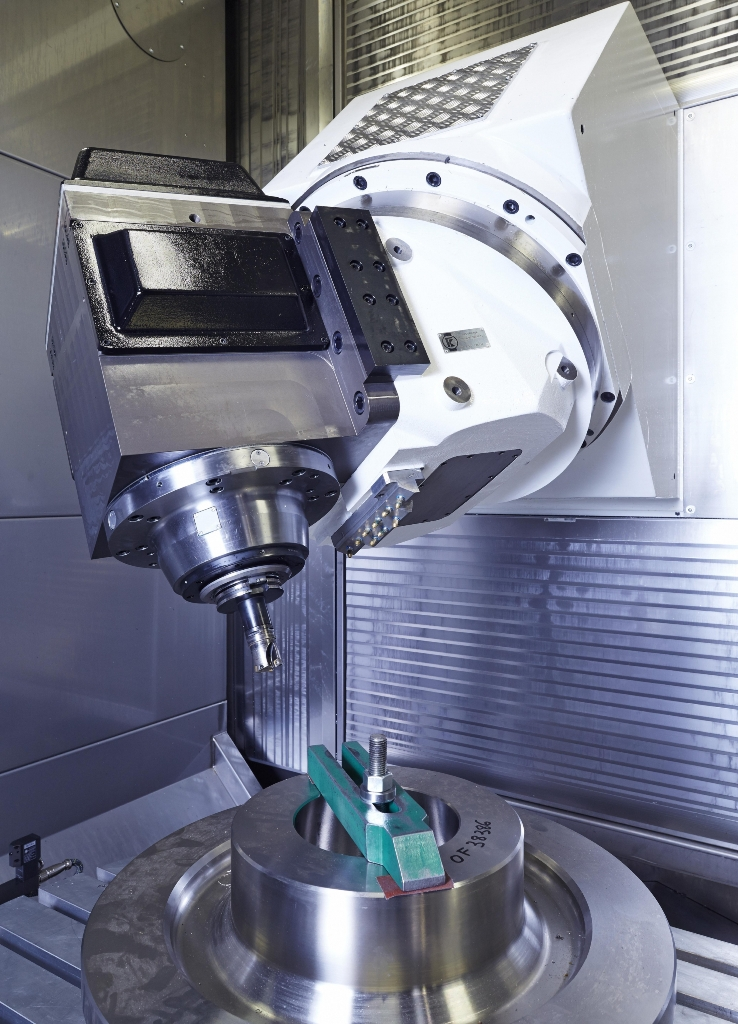 De spil van de Huron MX 12 M heeft een maximal toerental van 6.000 min-1 met een koppel van 1.350 Nm voor een hoge verspaancapaciteit