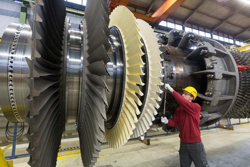 Assemblage van de gasturbine (foto's: Siemens