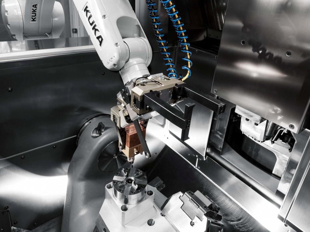 Het RS 05 robotsysteem kan werkstukken of pallets met een massa tot 8 kg handelen