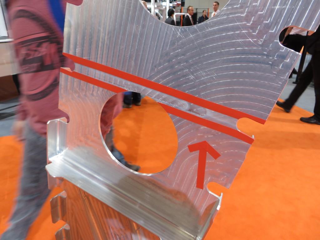 Een FSW-las in een rib voor de vleugel van de A380. Yamazaki Mazakt werkt voor wrijvingsroerlassen samen met Airbus