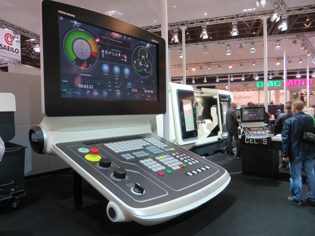 Net als op de EMO trok DMG Mori ook veel bekijks met een groot model van de Celos CNC-besturing