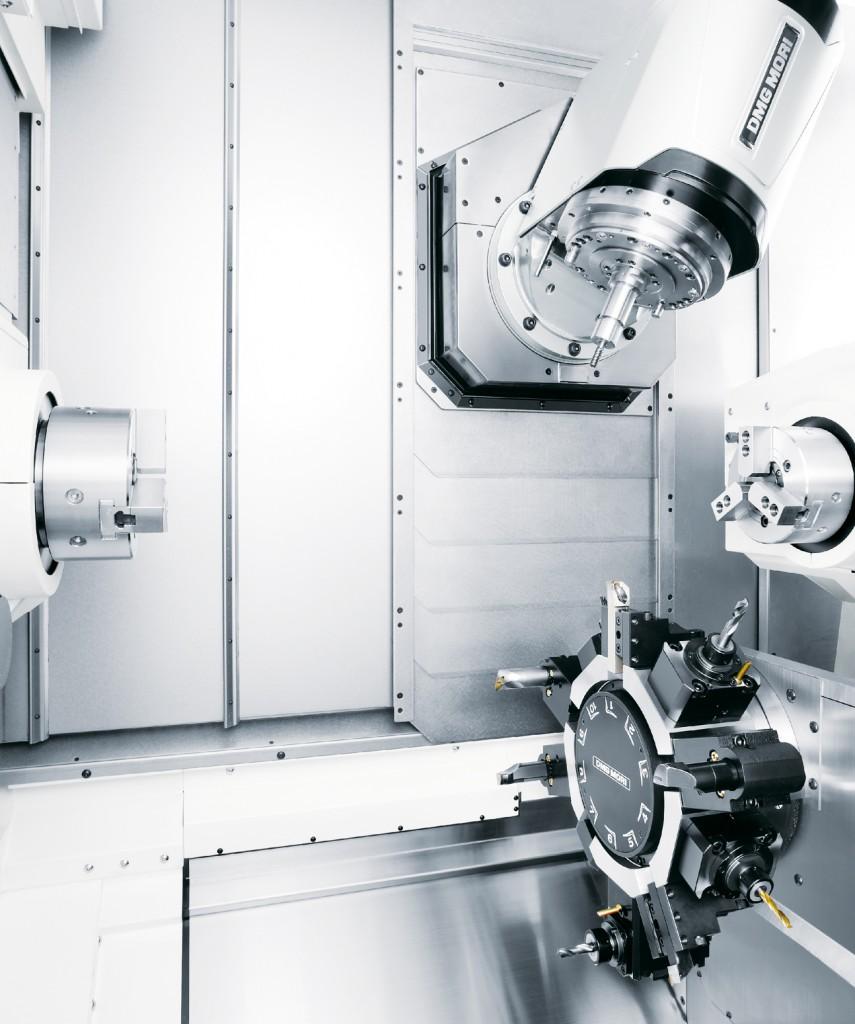De bewerkingsruimte van de compacte draaifreesmachine NTX 1000 van DMG Mori