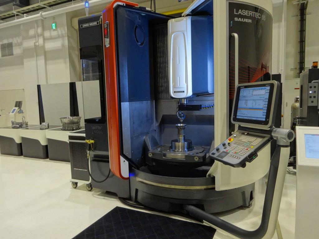 De Lasertec 65 van DMG Mori combineert laseroplassen met verspaning (foto: Tim Wentink)