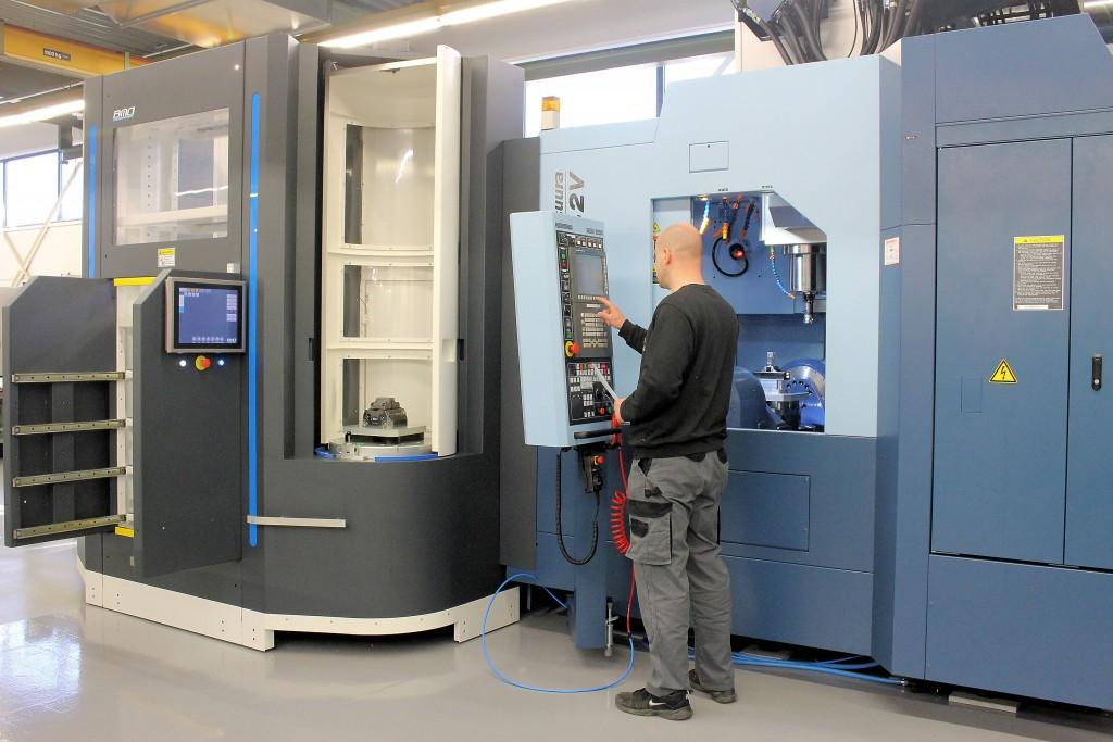 De Titaniumcel van BMO is voorzien van een dubbel wisselstation, zodat uiteindelijk twee machines aan de cel gekoppeld kunnen worden