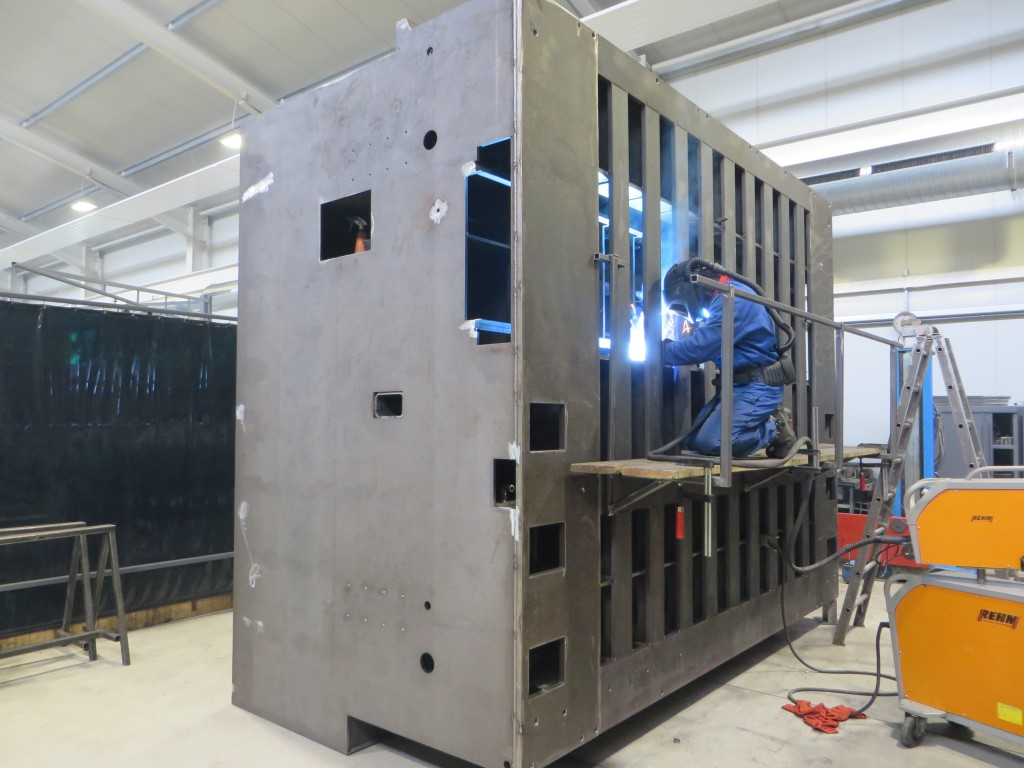 Laswerkzaamheden voor machinebouw bewerkingscentra bij AXA in Schöppingen (foto's: Reinold Tomberg)