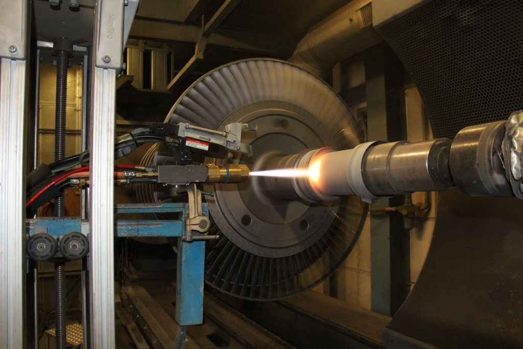Naast vlamspuiten en lasercladden is Revamo ook in staat om grote onderdelen te verspanen. Dit totaalpakket is volgens Roelof Vedder een belangrijke troef voor een goede en betrouwbare levering van onderdelen (foto: Revamo)