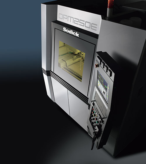 De OPM250E van Sodick combineert 3D-printen met hogesnelheidsfrezen (foto: Sodick)