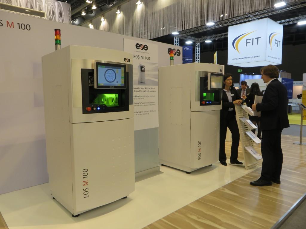 de nieuwe entry-machine M 100 van EOS tijdens de Formnext (foto's: Reinold Tomberg)