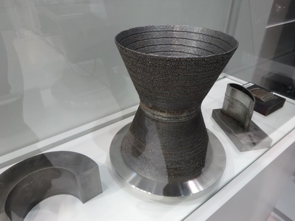 Door versleten of kapotte onderdelen in te scannen en deze data te vergelijken met de CAD-data van het onderdeel, kan een onderdeel vernieuwd worden door middel van 3D-printen