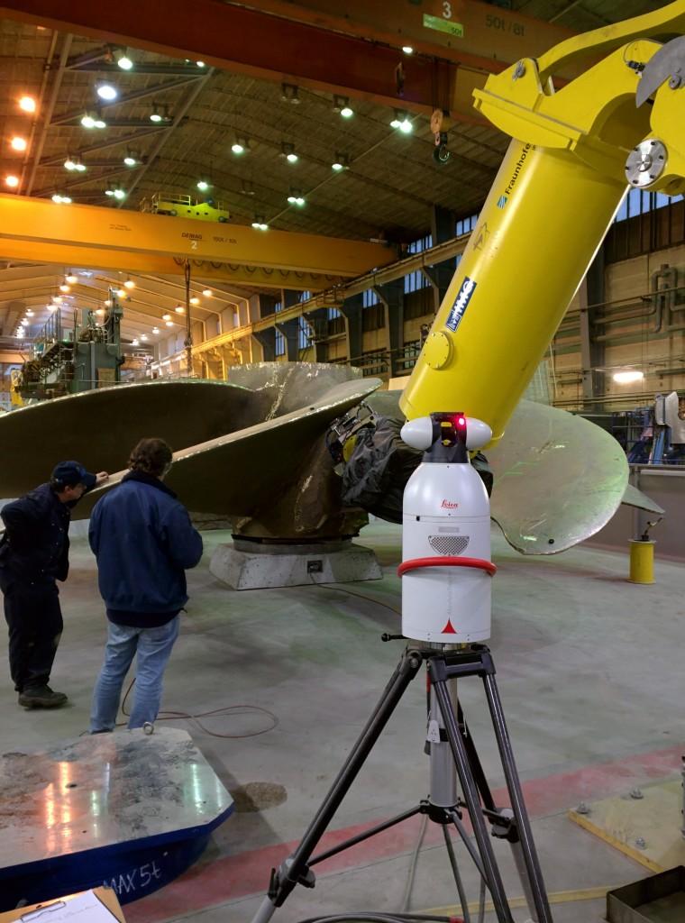 Mecklenburger Metallguss zet een robot in om gaten in scheepsschroeven te boren