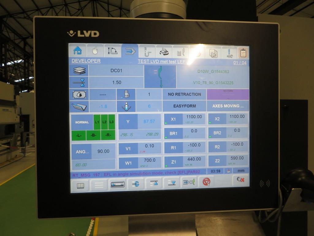 De Touch-B besturing voor kantbanken kan net als Cadman-Job, Cadman-L en -B en de Touch-L voor lasersnijmachines, gekoppeld worden aan een database