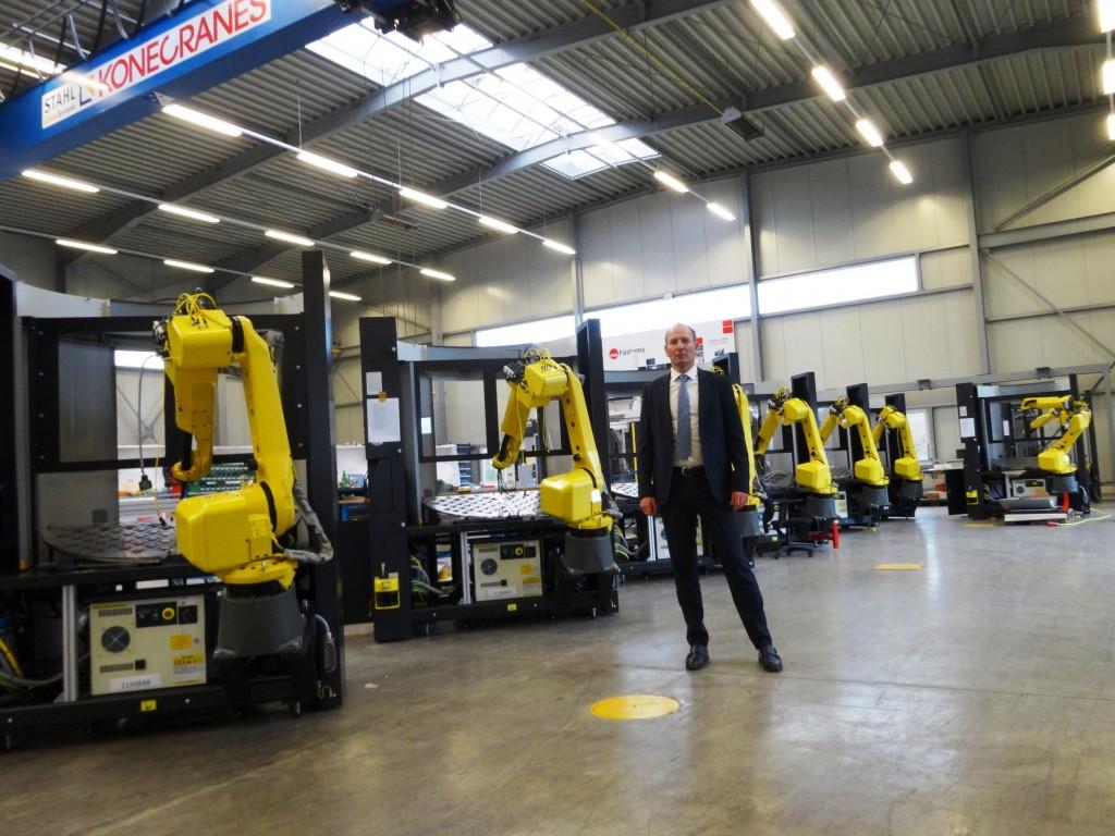 Wouter van Halteren voor een tiental LoadAssistant robotcellen met rastersysteem