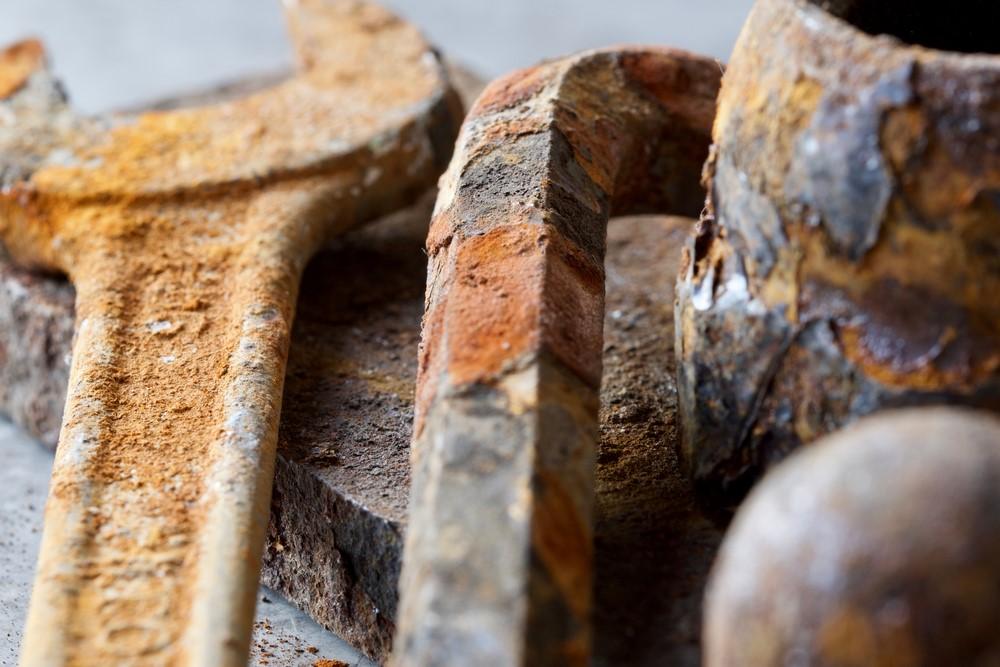Afbeelding met houten, hout, stuk, ketting  Automatisch gegenereerde beschrijving